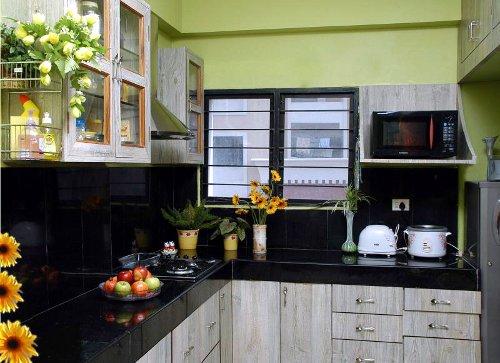 Decoração da cozinha com rosas e girassóis