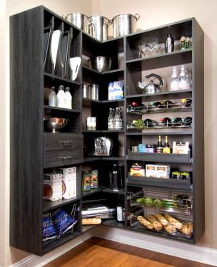 Aproveitar o canto da cozinha para uma despensa